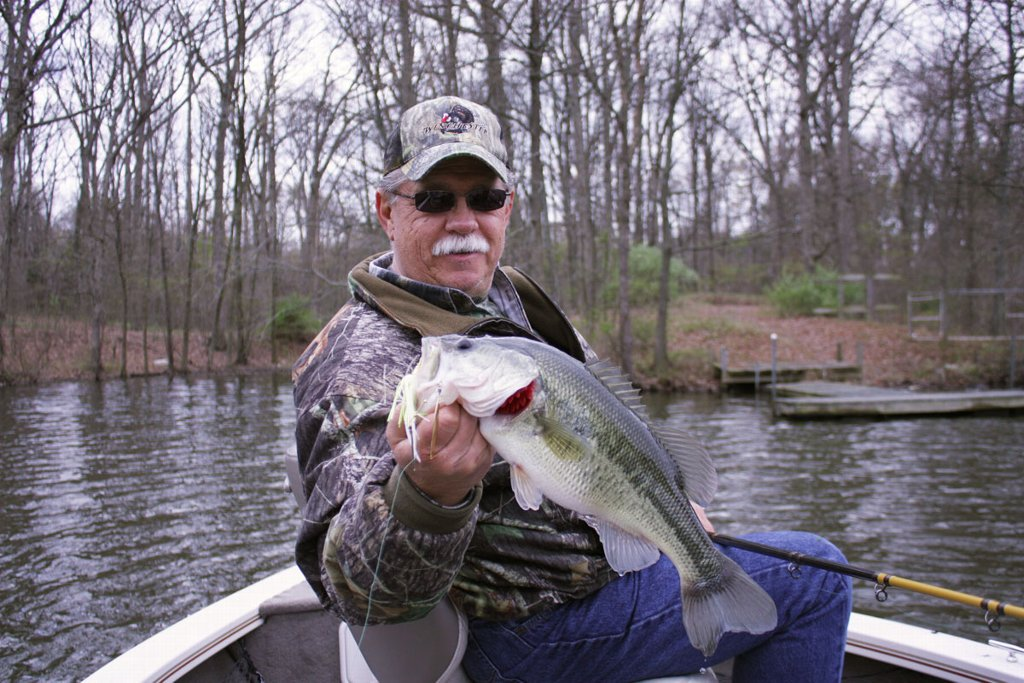 Crappie bass fishing guides southern il rend lake for Fishing lakes in illinois